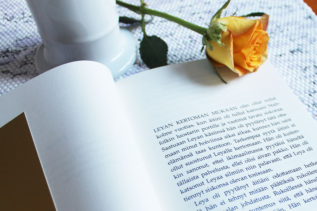 Kirjan sisäsivujen taitto